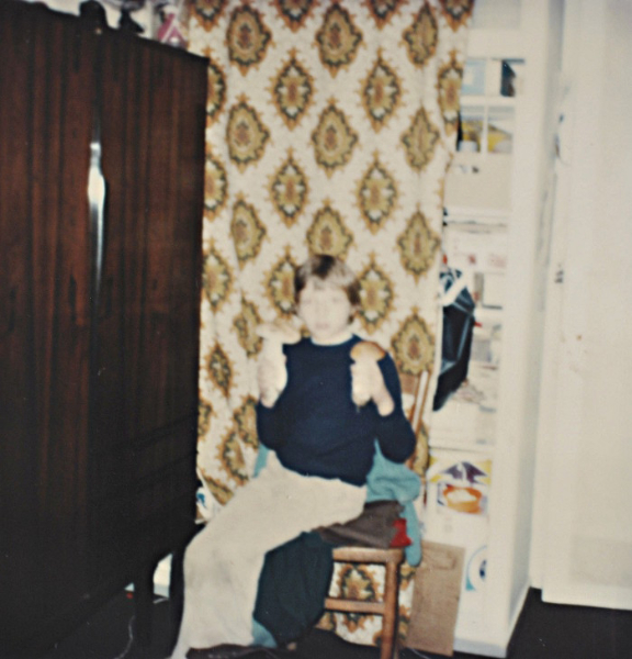 Un vieux polaroid me montrant avec mes champignons, une passion ancienne !
