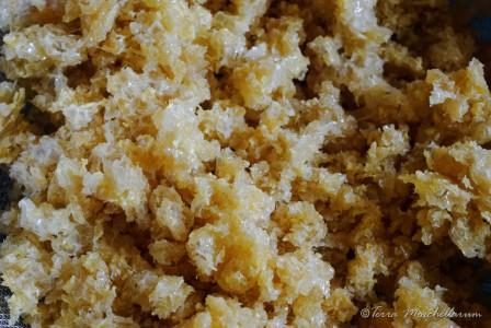 Miel résiduel contenu dans les cires prêt pour le pressage.